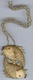 RAZZA HUGE VINTAGE GOLD TONE FISH NECKLACE