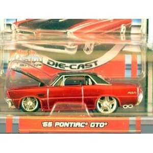 Pro Rodz Red Metallic 1965 Ponitac GTO 164 Scale Die Cast Car Toys