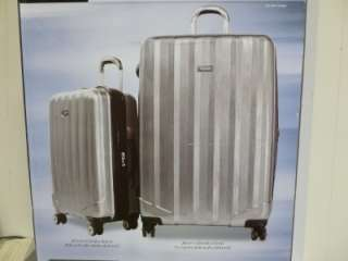 NEW Ricardo Beverly Hills Luggage 2 Piece Set 28 x 20 x 12/20 x 15 x
