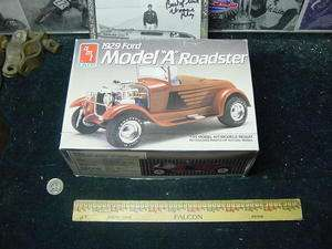 1929 MODEL A FORD ROADSTER, 1/25 AMT/ERTL plastic model