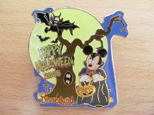 DISNEY PIN MICKEY MOUSE HALLOWEEN DRACULA LE 2000