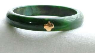 Vintage Girl Scout Green Marbled Bakelite Gold Emblem Bangle Bracelet