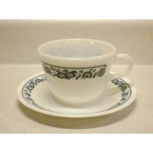 Old Town Blue   8 oz Pyrex Round Bottom Cup & Corelle Saucer (Set of 4