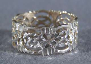 STERLING SILVER FLORAL ETERNITY STYLE WEDDING BAND BOLD RING