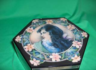 Vntg Princess Snow White Hinged Jewelry Music Box Lmtd