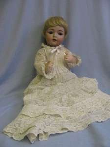 Antique 22 K * R 121 Character Doll blue glass sleep eyes, tremble