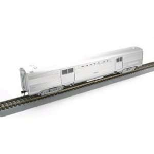 Athearn HO Scale RTR Streamline Baggage, SF: Toys & Games