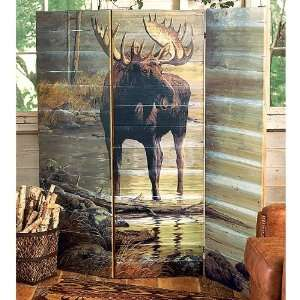 Quiet Water Moose Wall Screen: Kitchen & Dining