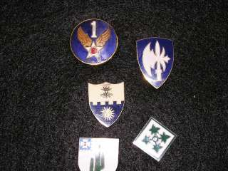 Military Designated Unit Insignia (DUI) (DI) Pins being sold as a lot