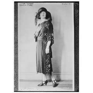 Lilyan Tashman (Models Canton Crepe Dress)