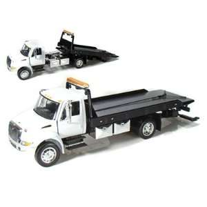 JADA 1/24 International Flatbed Tow Truck   WHITE CAB